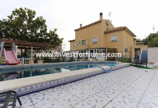 Detached Villa - Sale - Torrevieja - Torrevieja